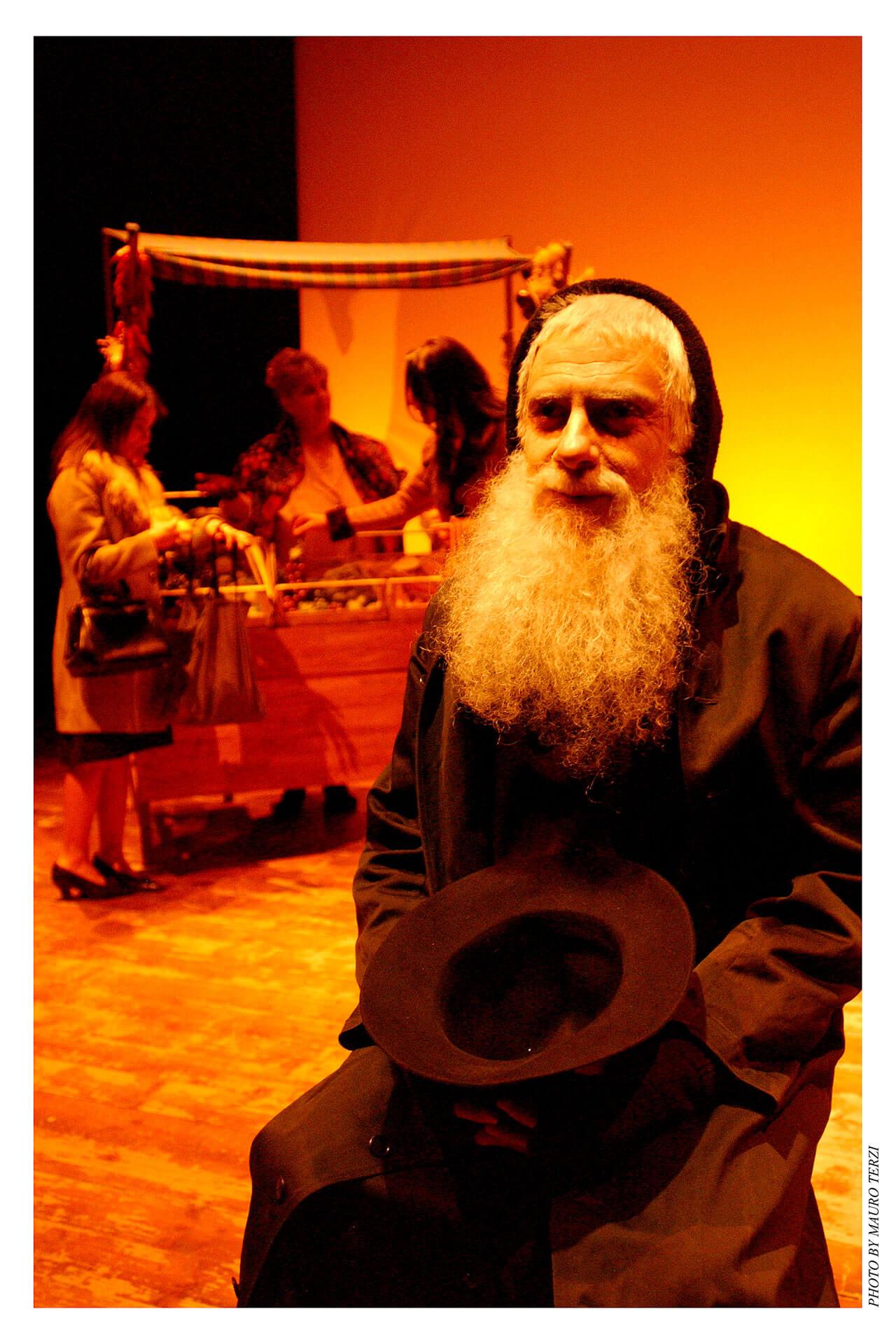 gruppo-teatro-colli-padre-marella-2002-5