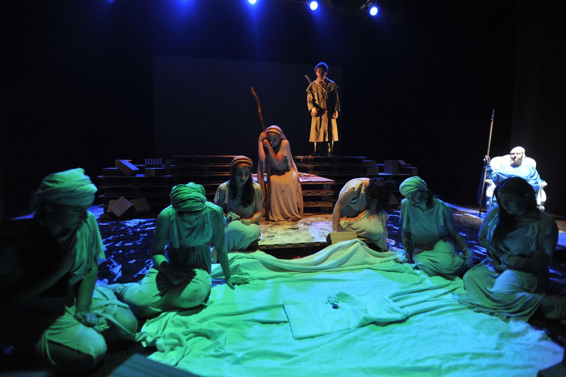 scuola-di-teatro-colli-troiane-baccanti-2010-16