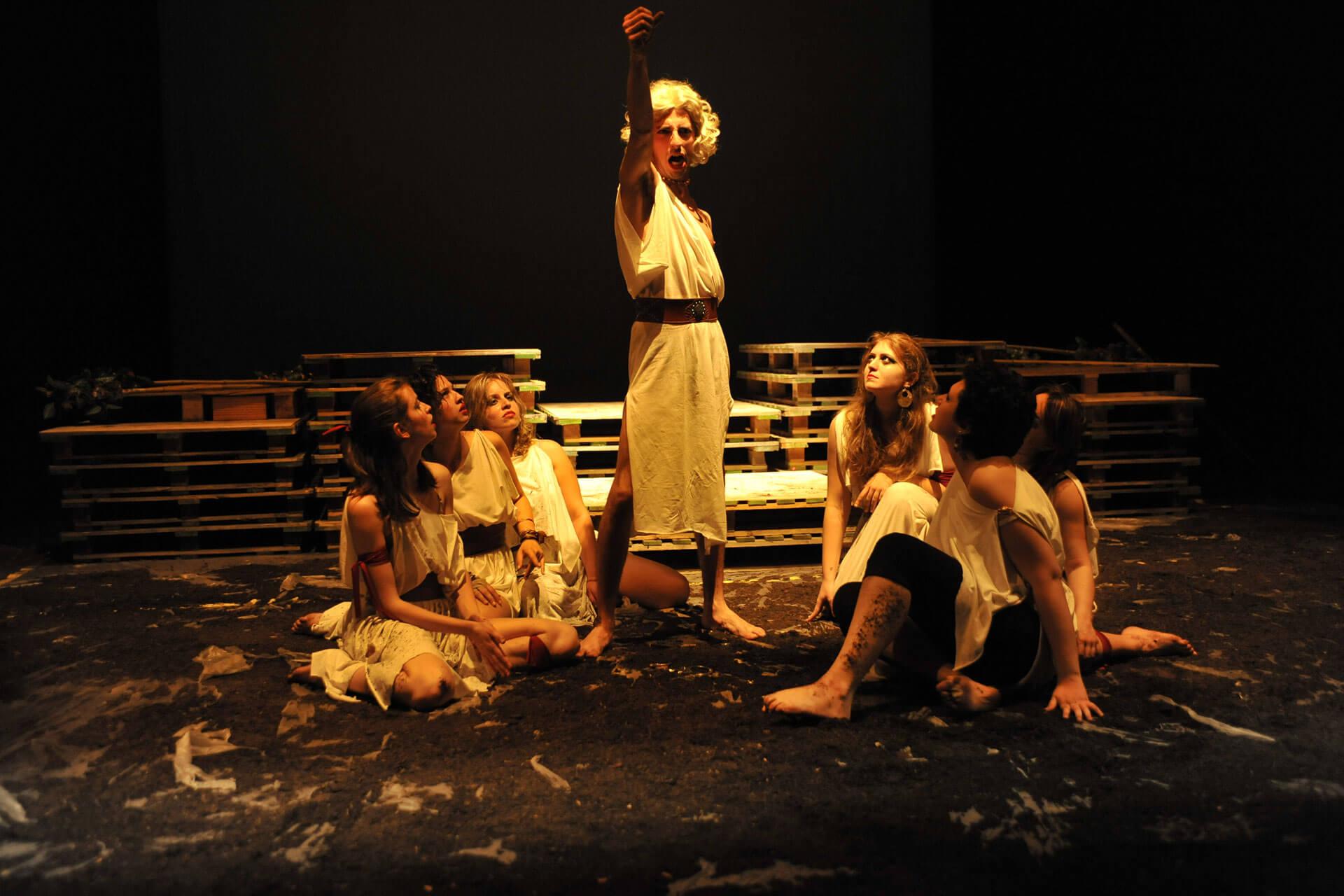 scuola-di-teatro-colli-troiane-baccanti-2010-2