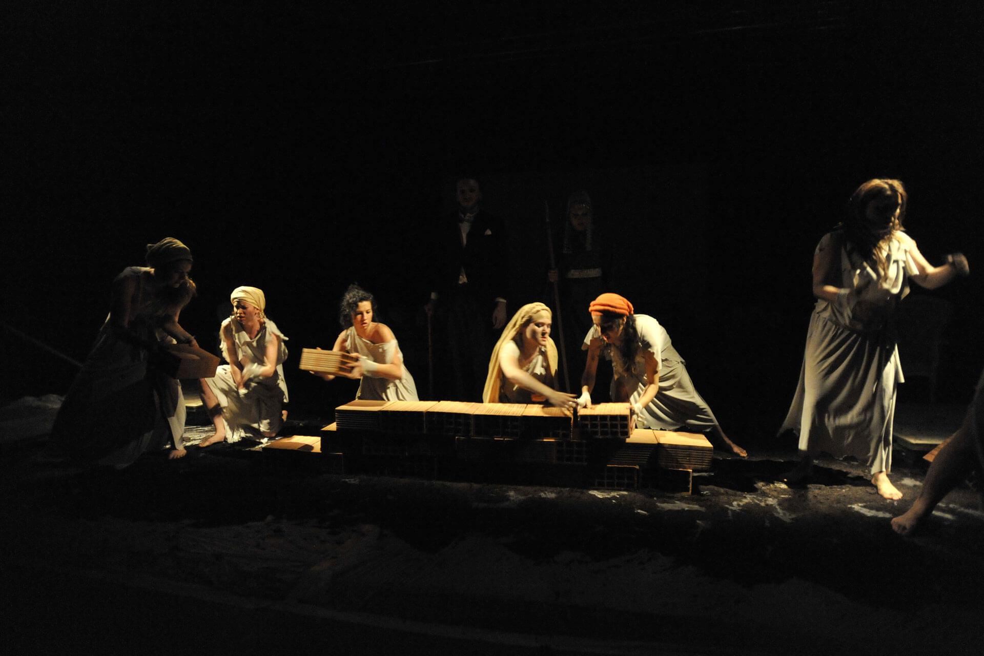 scuola-di-teatro-colli-troiane-baccanti-2010-4