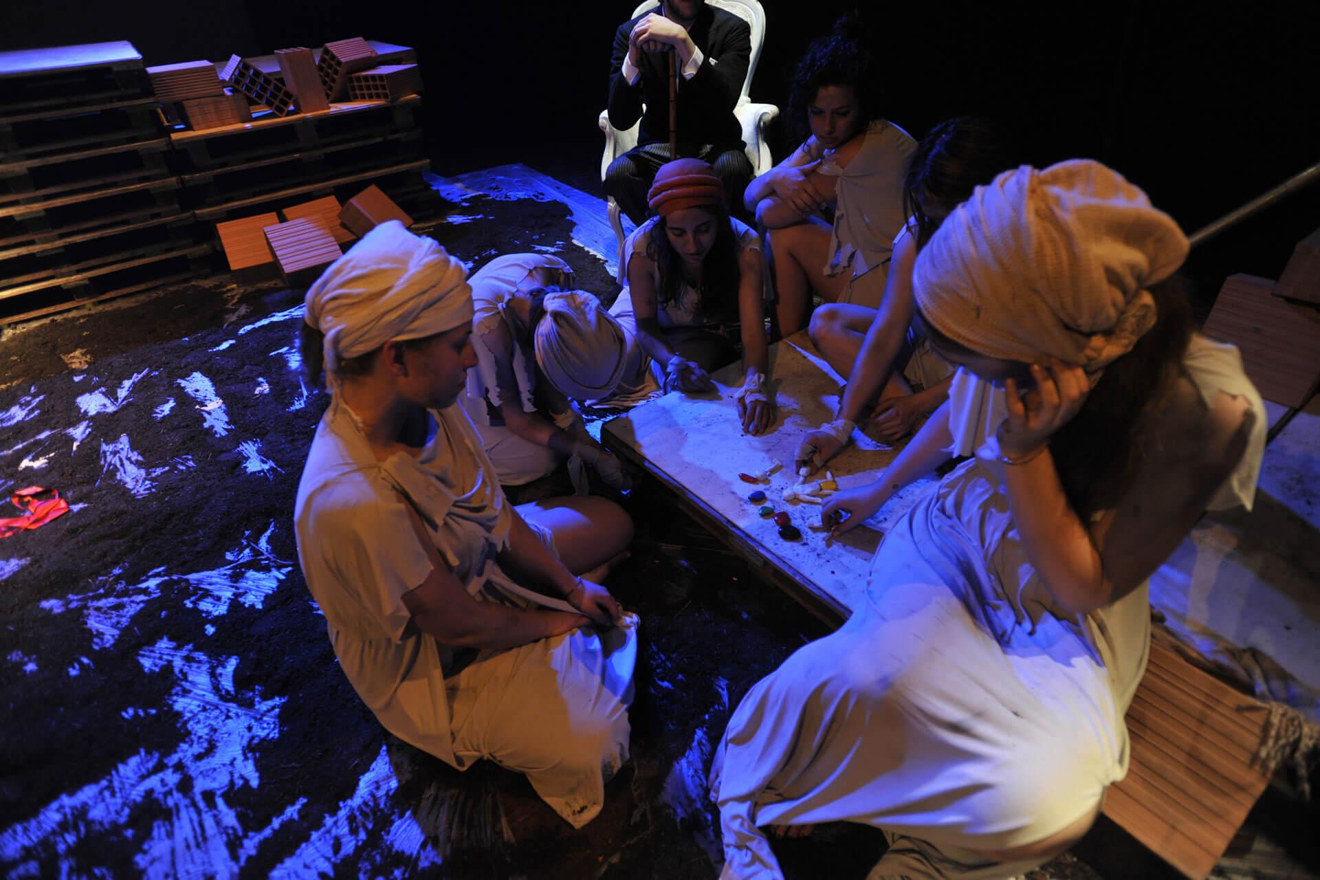 scuola-di-teatro-colli-troiane-baccanti-2010-5