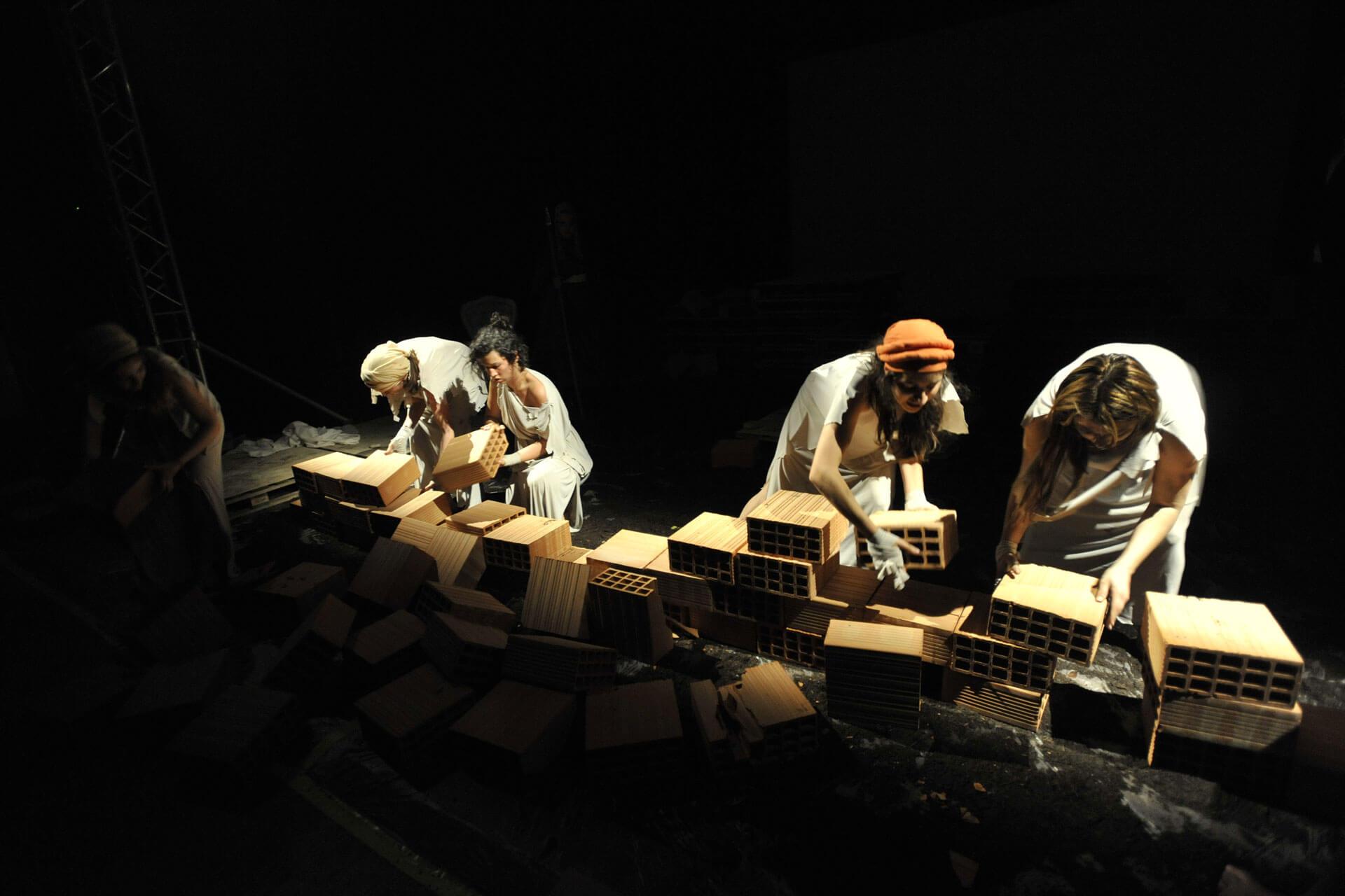 scuola-di-teatro-colli-troiane-baccanti-2010-6
