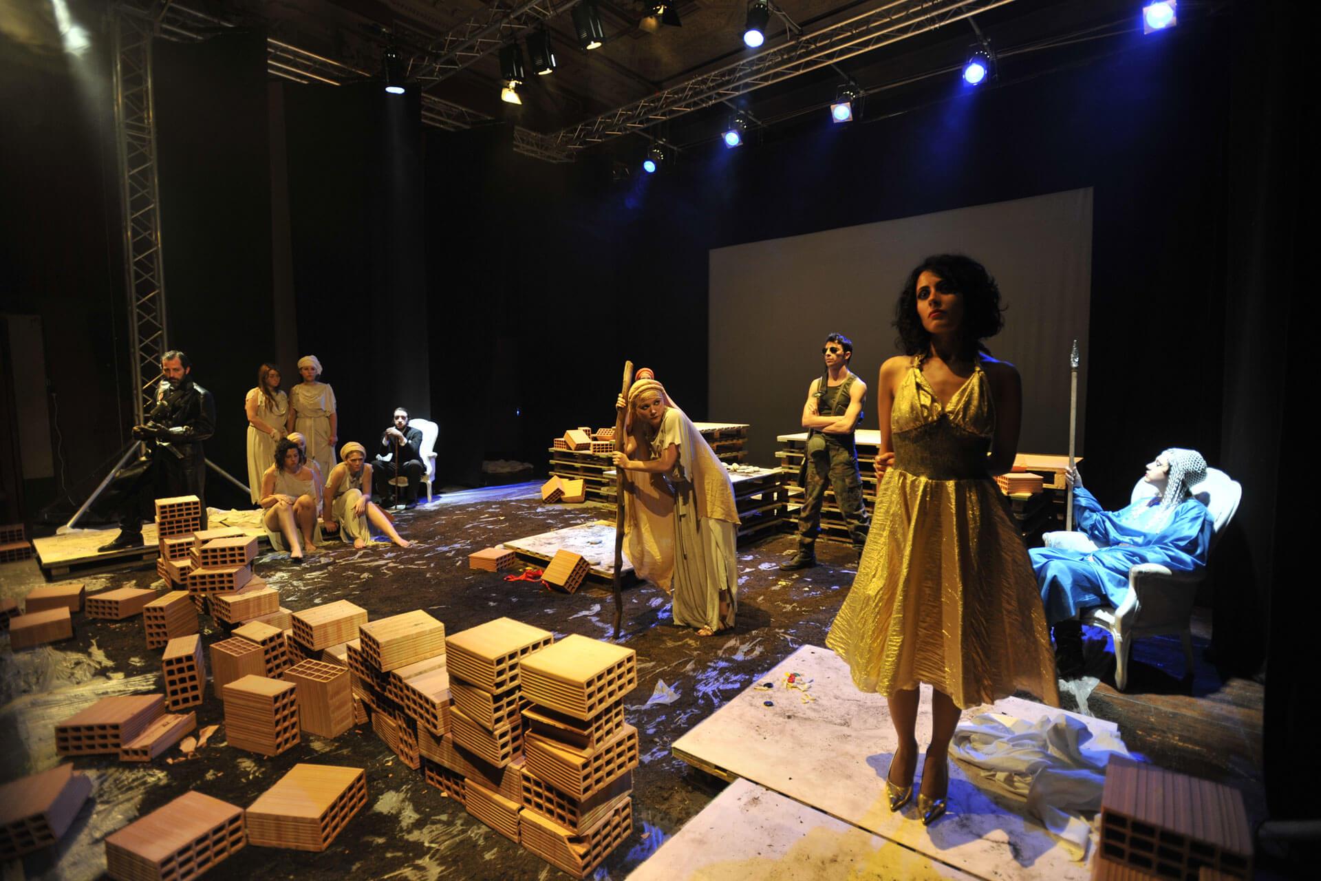 scuola-di-teatro-colli-troiane-baccanti-2010-7