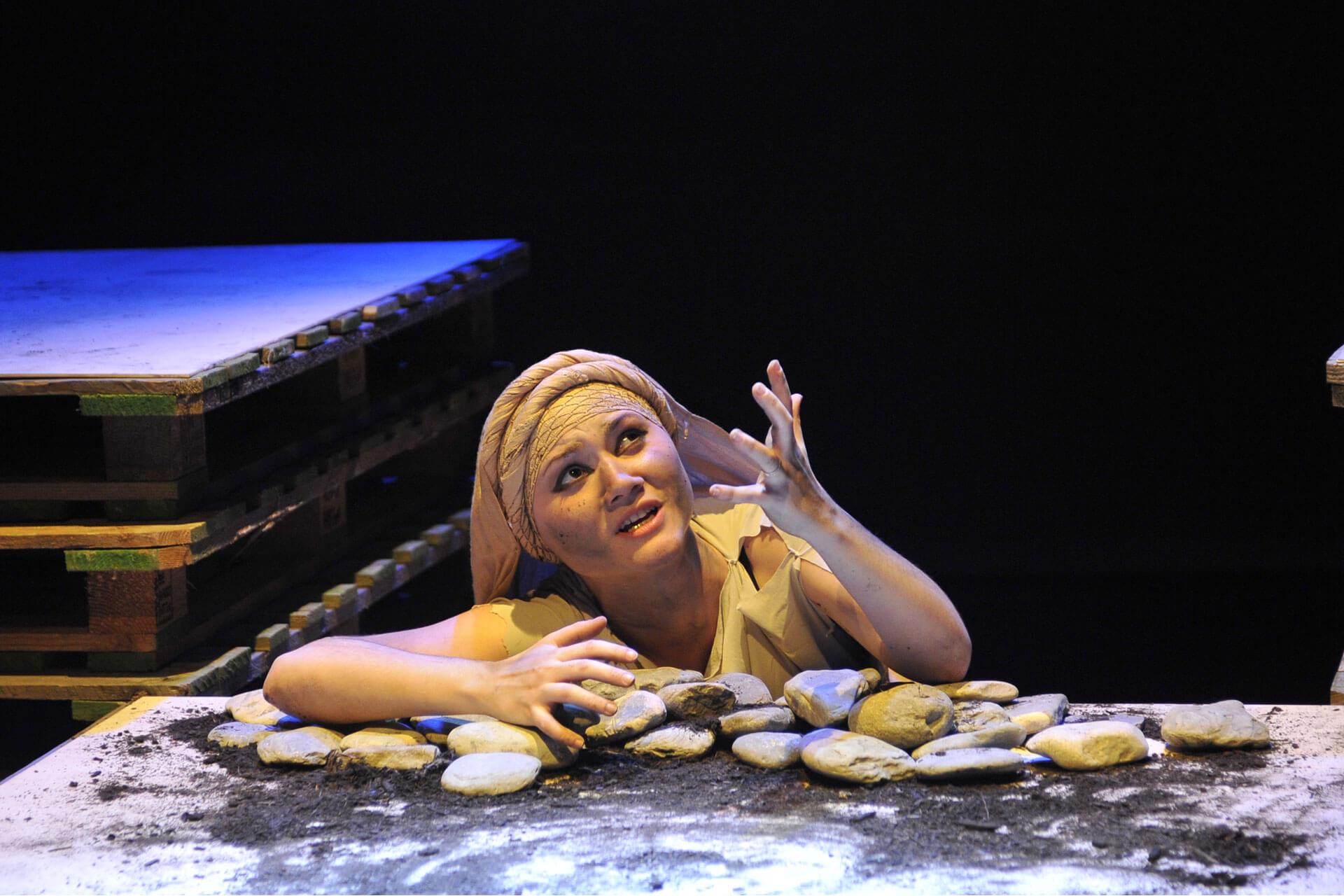 scuola-di-teatro-colli-troiane-baccanti-2010-9